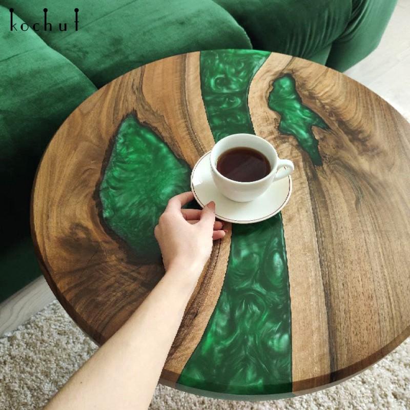 Кофейный столик «Малахит». Европейский орех, эпоксидная смола, полиуретан