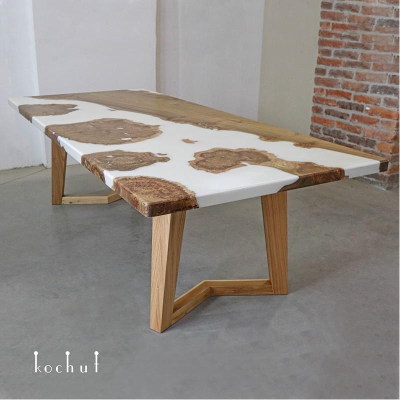 Обеденный стол «Джаспер». Вяз, эпоксидная смола, тонирование, акрил