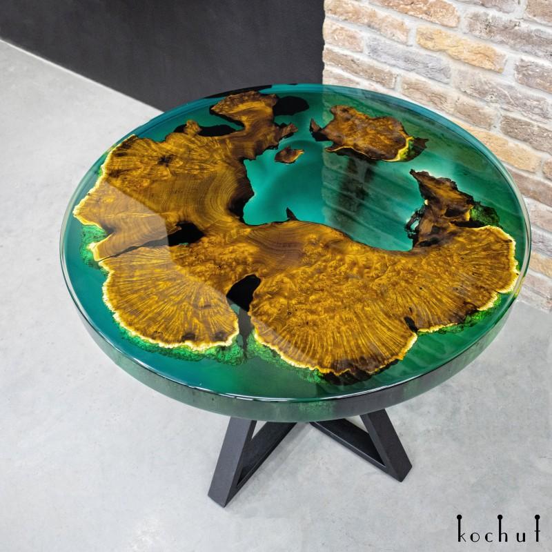 Обеденный стол «Клэр». Дикая маслина, эпоксидная смола, полиуретан