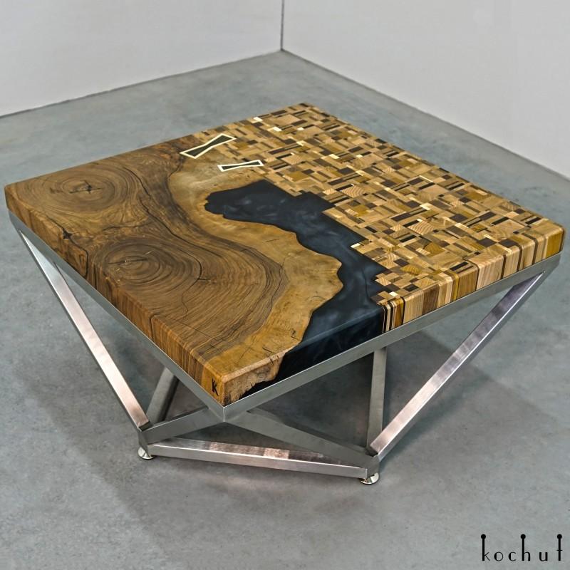 Журнальный стол «Дао». Орех, дуб, мореный дуб, эпоксидная смола, полиуретан
