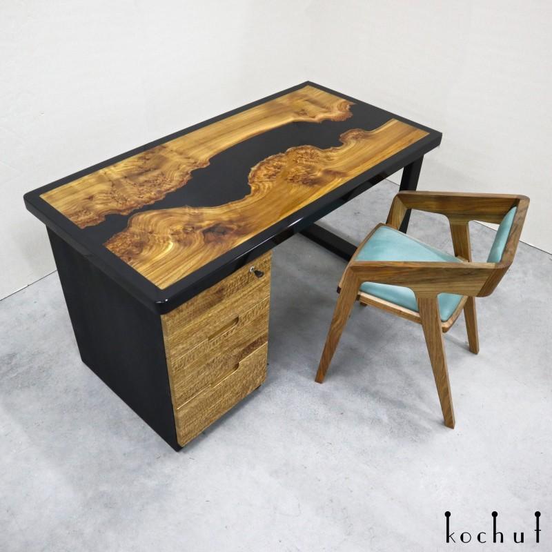 Робочий стіл «Тайкен». В'яз, епоксидна смола, поліуретан