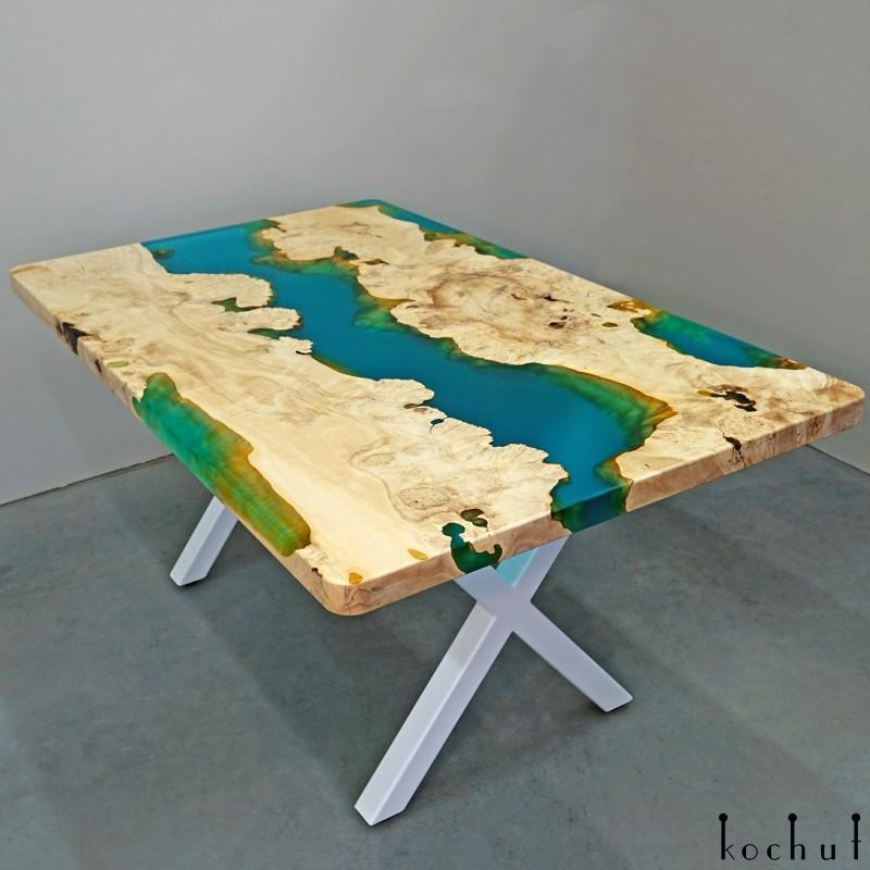 Обеденный стол «Санторини». Клён, эпоксидная смола, полиуретан