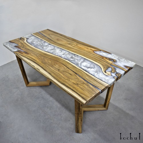 Dining table «Platinum». European walnut, epoxy resin, acrylic