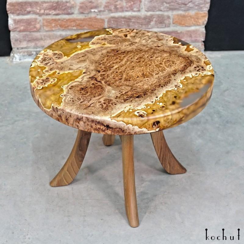 Кофейный стол «Хонсю». Вяз, эпоксидная смола, полиуретан