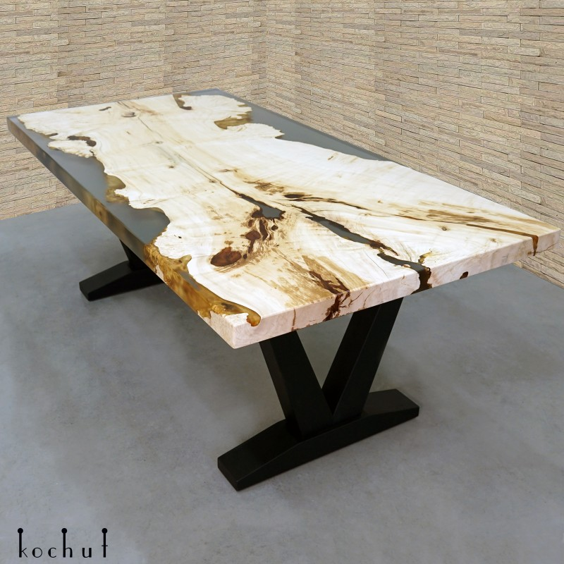 Dining table «Caddo». Maple, epoxy resin, acrylic