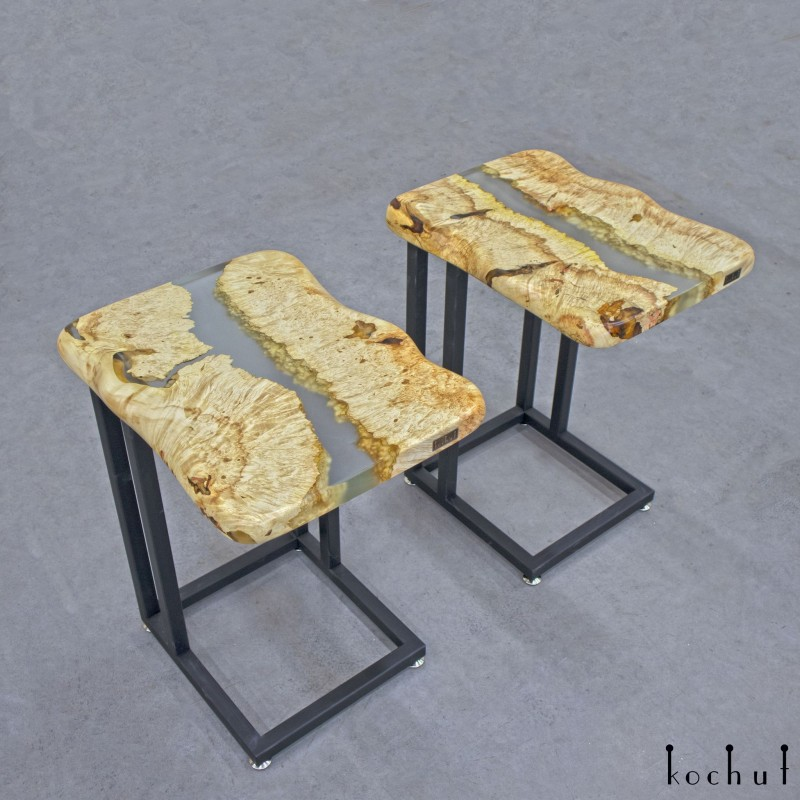 Придиванний стіл «Артезіанське джерело». Клен, епоксидна смола, поліуретан