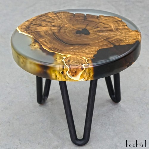 Coffee table «Ithaca». Wild olive, epoxy resin, polyurethane