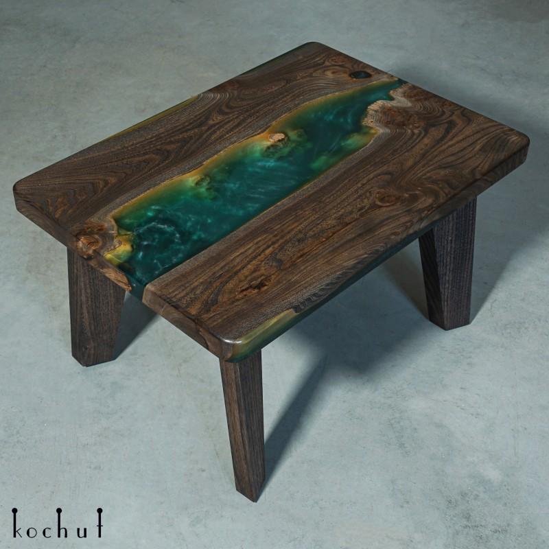 Side table «Jasmine». Elm, epoxy resin, polyurethane