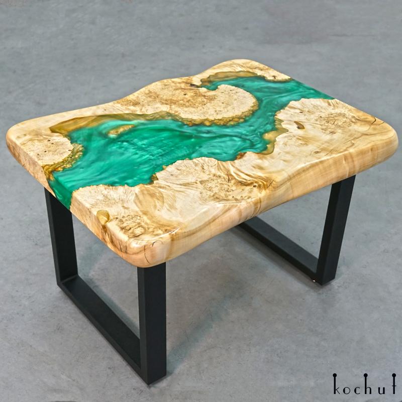 Кофейный стол «Гвинея». Клён, эпоксидная смола, полиуретан