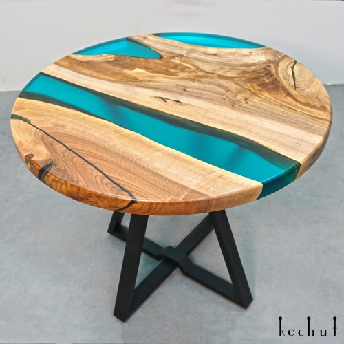 Dining table «On one wave». European walnut, epoxy resin, polyurethane