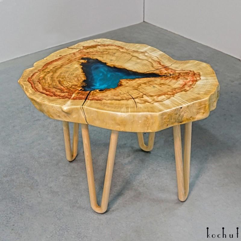 Журнальный стол «Дель Амор». Клён, эпоксидная смола, масло-воск