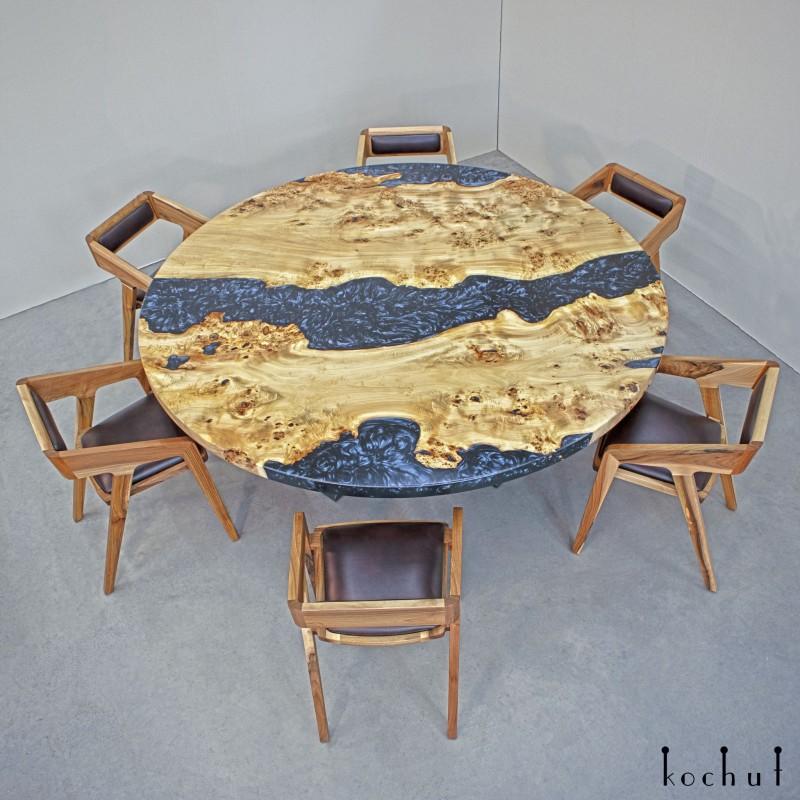 Обеденный стол «Морион». Тополь, эпоксидная смола, полиуретан