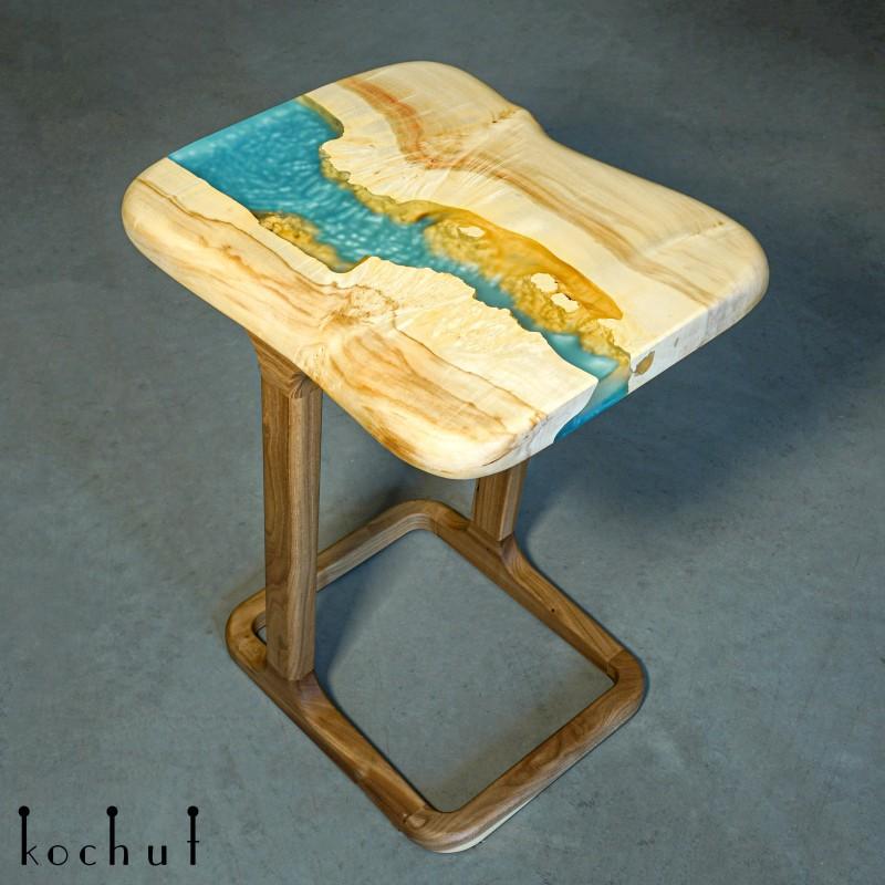 Придиванний стіл «Гвінея». Клен, епоксидна смола, поліуретан