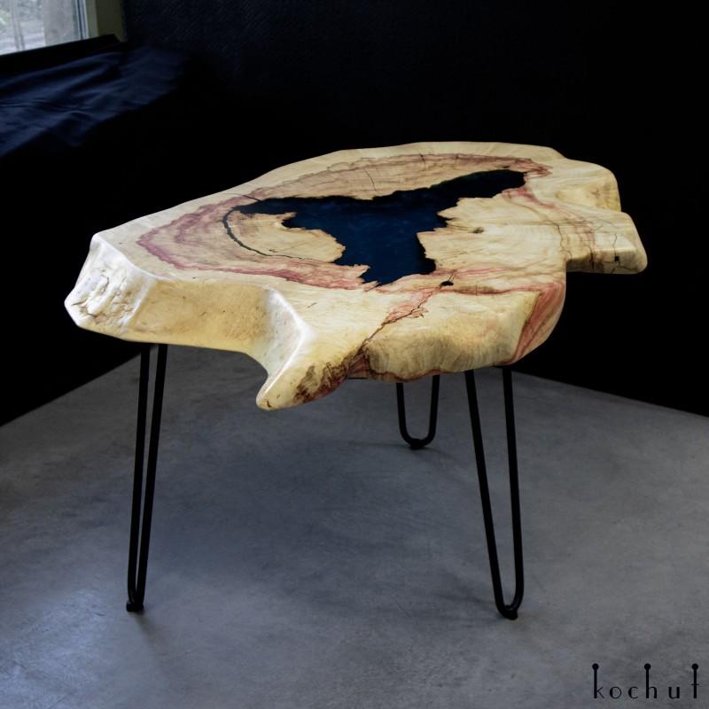 Кофейный столик «Дель Амор». Клён, эпоксидная смола, полиуретан