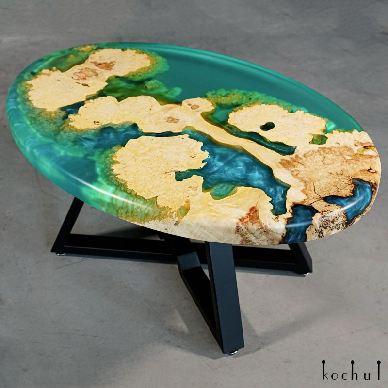 Журнальный стол «Королевская гавань». Клён, эпоксидная смола, полиуретан