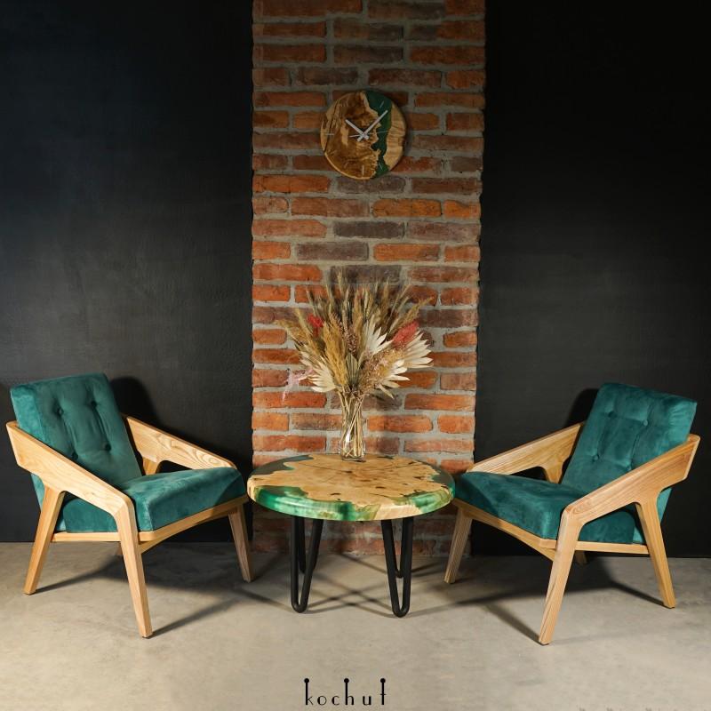 Side table «Emerald paradise». Maple, epoxy resin, polyurethane