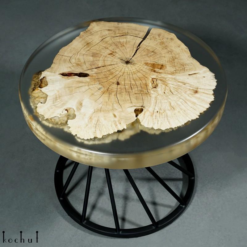 Журнальный стол «Небесный остров». Клён, эпоксидная смола, полиуретан
