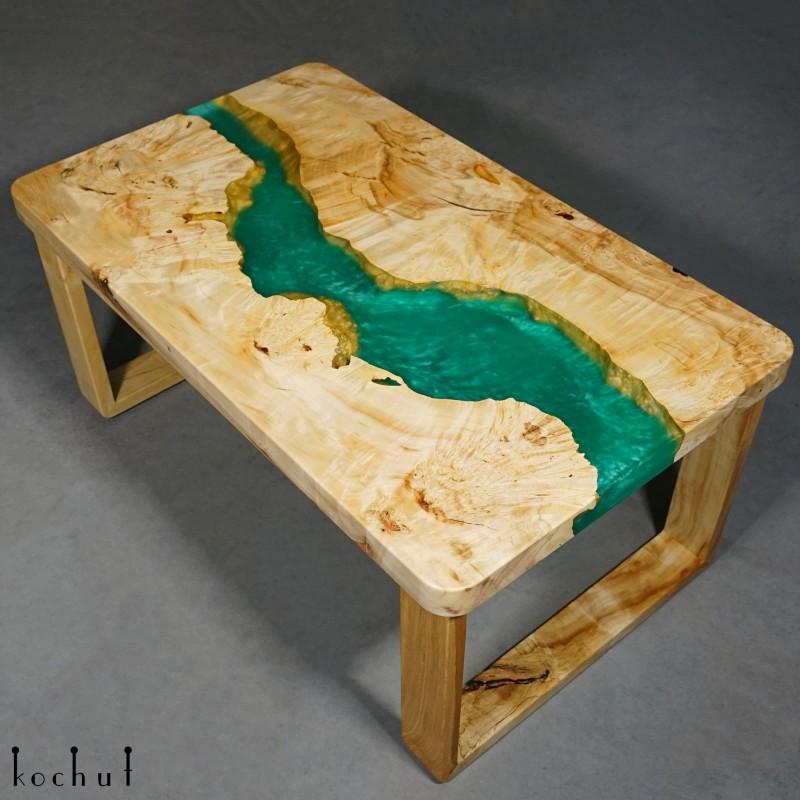 Журнальный стол «Гвинея». Клён, эпоксидная смола, полиуретан