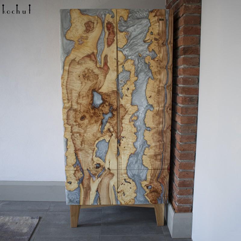 Wardrobe «Samaria». Ash. Maple and epoxy.