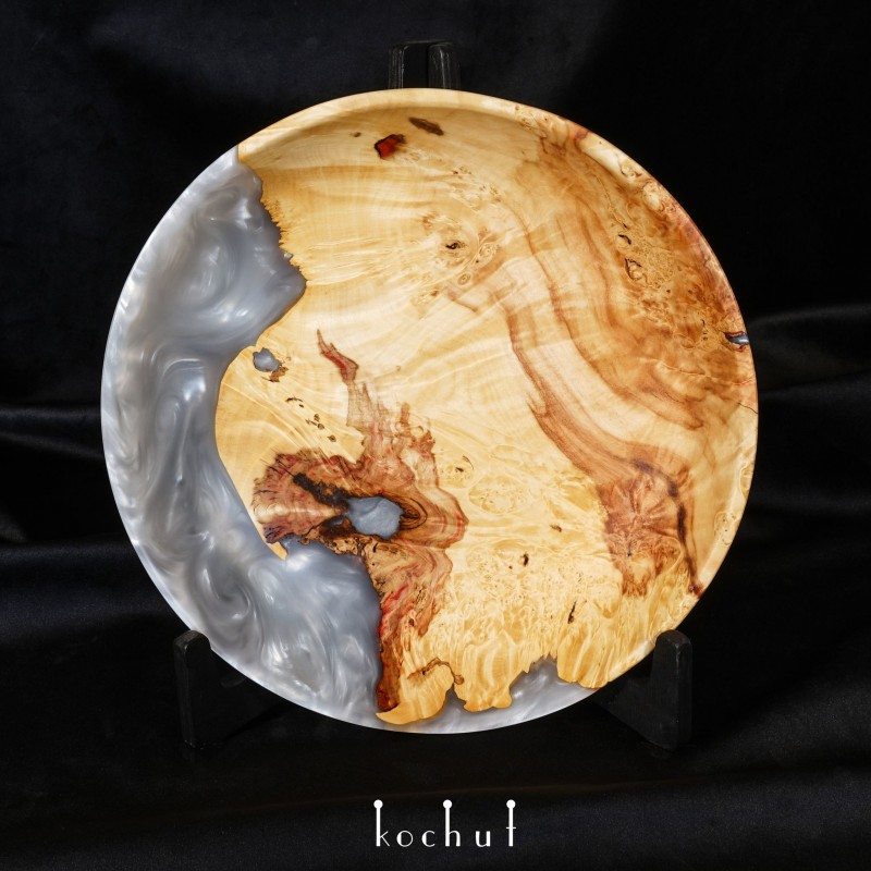 Bowl «Satori» (platinum). Elm, epoxy resin, oil-wax