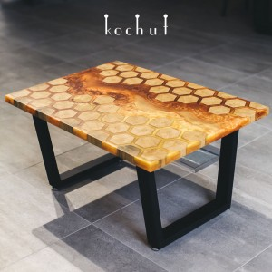 Coffee table «Honeycomb». Oak, amber epoxy, wax, natural oil, metal legs