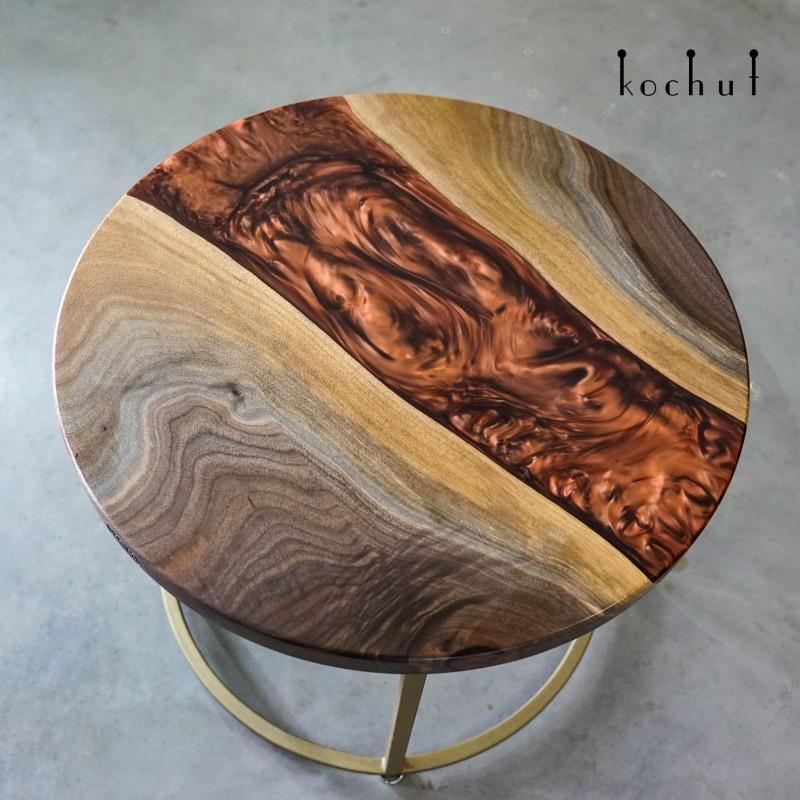 Кофейный стол «Марсианские хроники. Вулкан на Марсе». Американский орех, эпоксидная смола, полиуретан