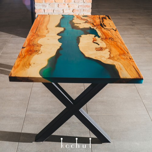 Dinner table «Mojave Desert». California maple, epoxy resin, X-shaped legs
