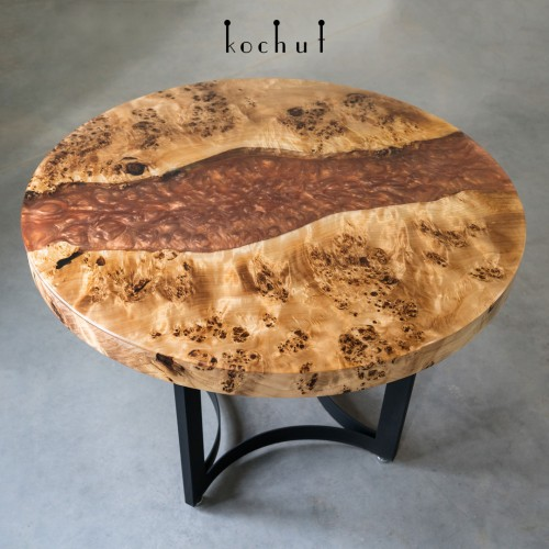 Dining table «Jupiter». Poplar, two-level epoxy, oil, metal legs