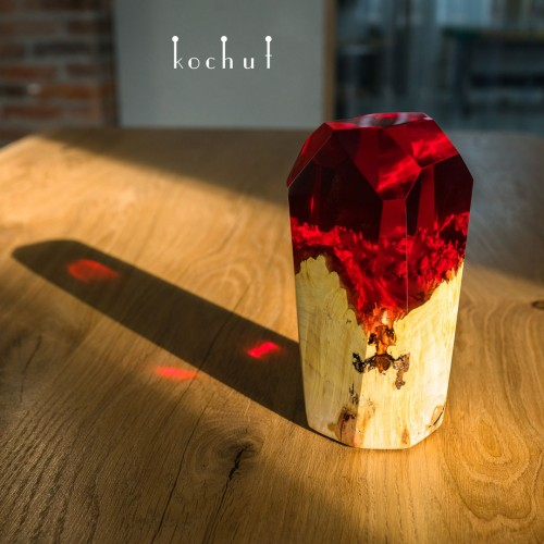 Elemental crystal «Fire». Maple, red epoxy resin