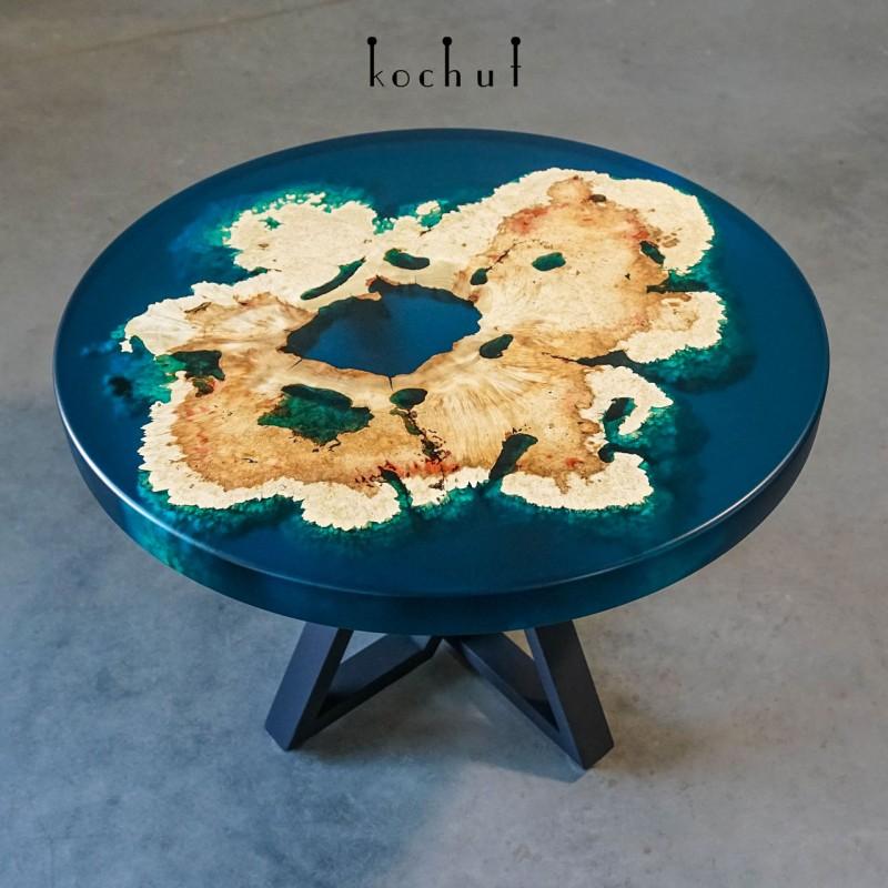 Кофейный стол «Флорес». Клен, эпоксидная смола, полиуретан