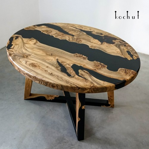 Dining table «Onyx». Elm, black epoxy, polyurethane varnish