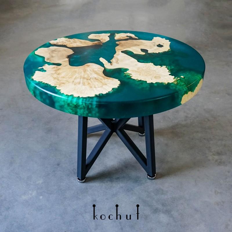 Кофейный стол «Изумрудный рай». Клен, эпоксидная смола, полиуретан