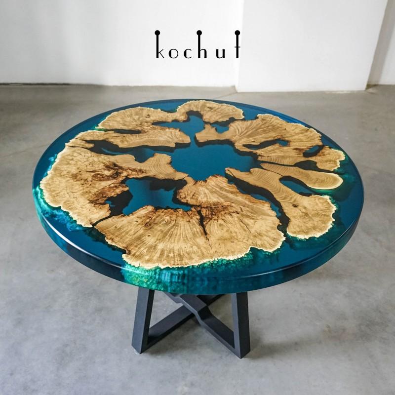 Обеденный стол «Архипелаг». Акация, эпоксидная смола, полиуретан
