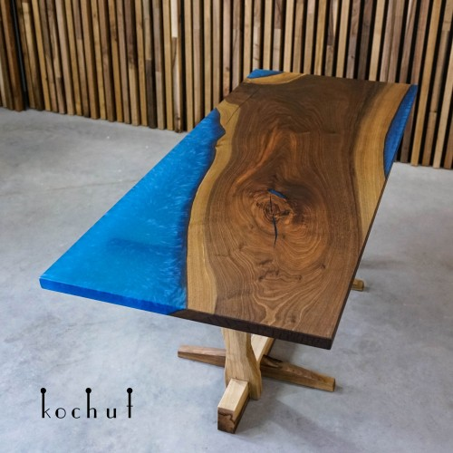 Dining table «Campai». American walnut, epoxy