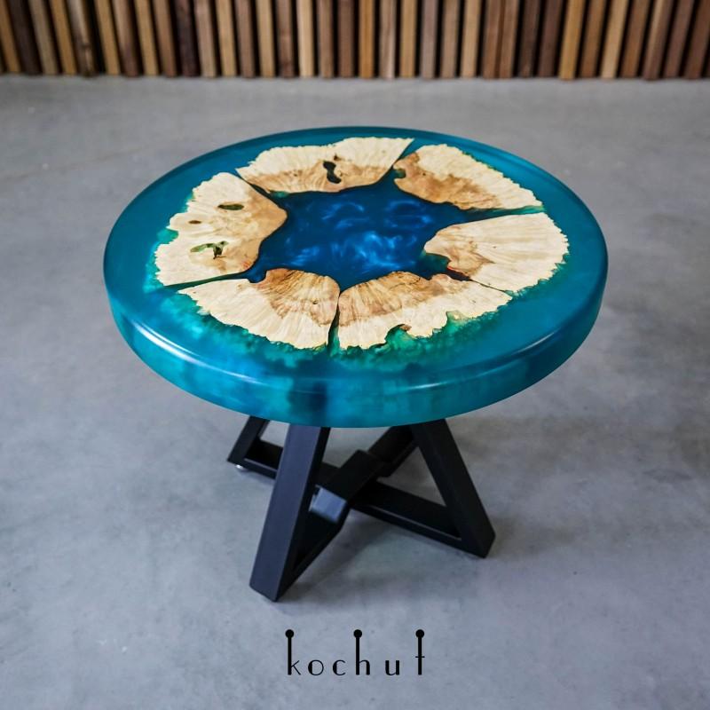 Кофейный стол «Голубая лагуна. Маленький». Клен, эпоксидная смола, полиуретан