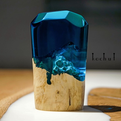 Big crystal of elements «Water». California maple, blue epoxy resin
