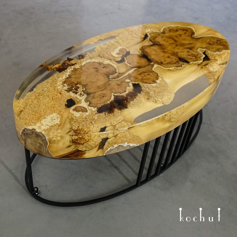 Кофейный стол «Альтамира». Акация, эпоксидная смола, полиуретан