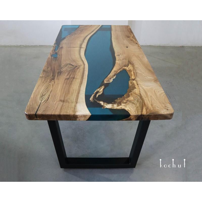 Обеденный стол «Лазурит». Орех, эпоксидная смола, полиуретан