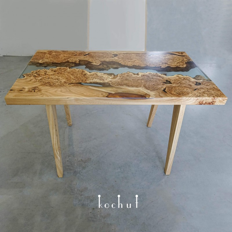 Обеденный стол «Навахо». Вяз, эпоксидная смола, полиуретан
